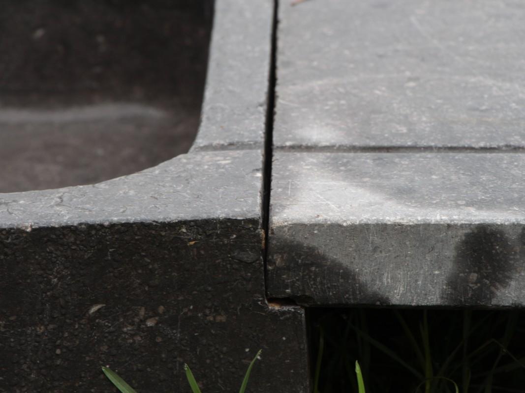 Blue stone kitchen sink el ments d 39 architecture - Plan de travail en ardoise ...