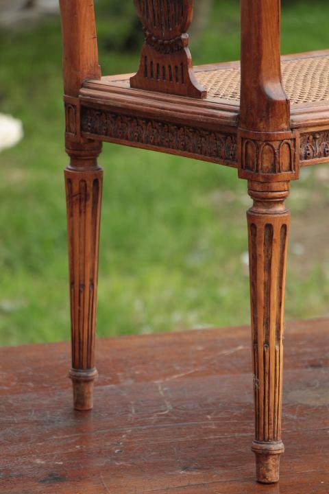 louis 16 caned bench bancs fauteuils european antique warehouse. Black Bedroom Furniture Sets. Home Design Ideas
