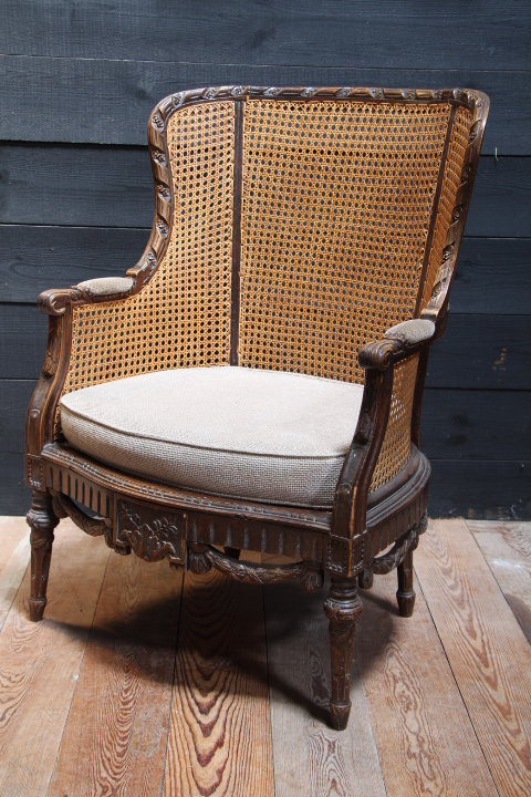 louis 16 cane berg re fauteuils european antique warehouse. Black Bedroom Furniture Sets. Home Design Ideas