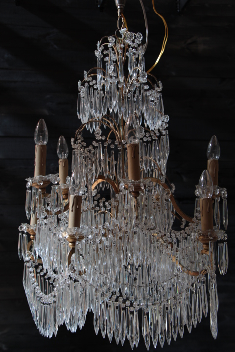 lustre style cascade en cristal lustres luminaires european antique warehouse. Black Bedroom Furniture Sets. Home Design Ideas