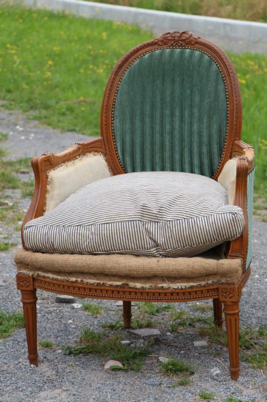 louis 16 pair berg res fauteuils european antique warehouse. Black Bedroom Furniture Sets. Home Design Ideas