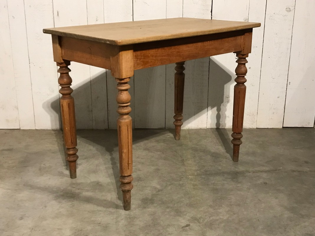 Small Kitchen Table Petites Tables European Antique