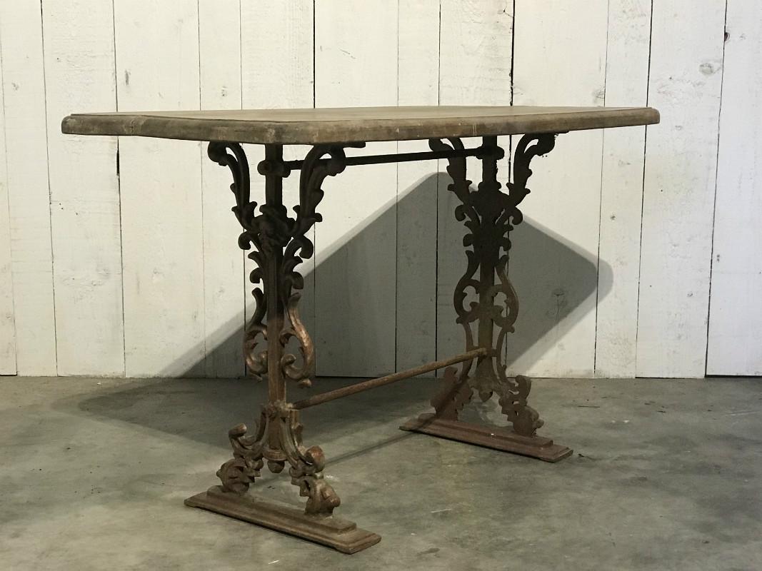 Table de jardin en fer forgé et bois - JARDIN - European ...