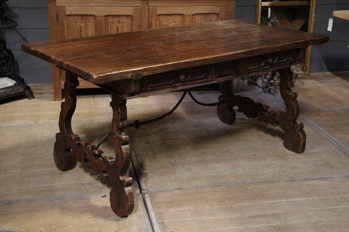 Charmant Walnut Spanish Table With Two Drawers   SOLD   European Antique Warehouse